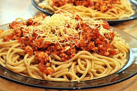 Spagetti po bolońsku