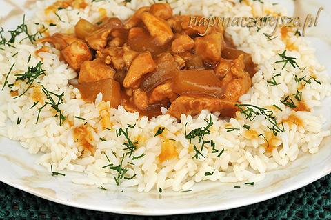 Ryż z kurczakiem i ananasem