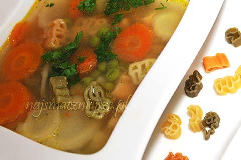 Zupa warzywna ze zwierzątkami