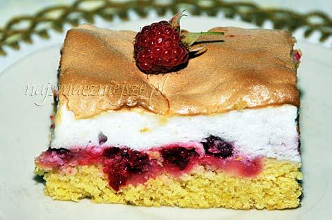 Ciasto z bezą i malinami