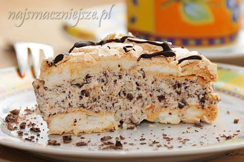 Tort bezowy z kremem Straciatella