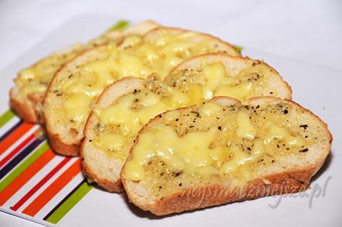 Pieczywo czosnkowe z serem