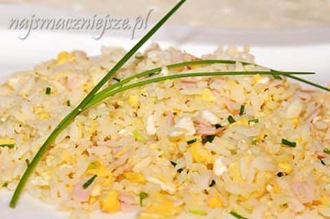 Ryż z jajkiem i szynką