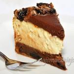 Sernik ze śliwkami w czekoladzie