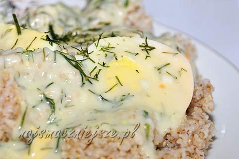 Jaja w sosie koperkowym
