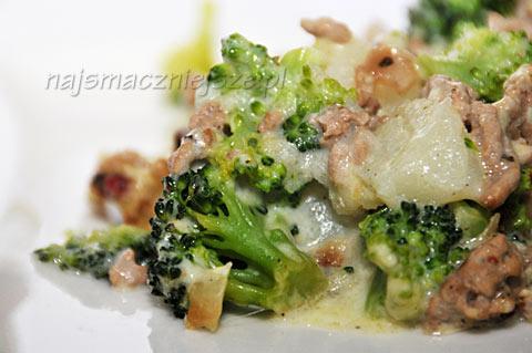Zapiekanka z mięsem i brokułami