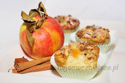 Muffiny z cynamonem i orzechami