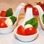 Mozarella z pomidorkami