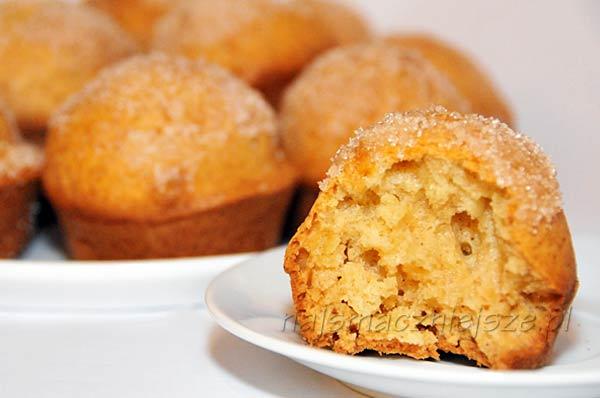 Muffiny z cynamonową posypką