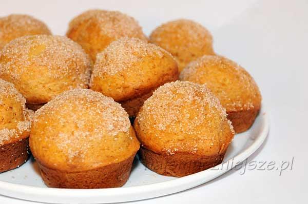 Muffiny z posypką cukrową z cynamonem