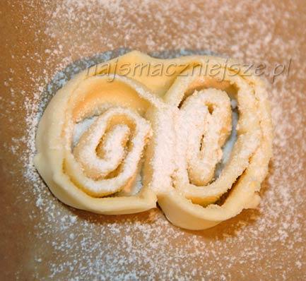 Palmiery z cukrem pudrem