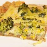 Pizza z brokułem i kurczakiem