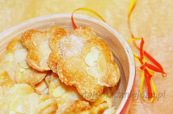 Ciasteczka z migdałami i cukrem