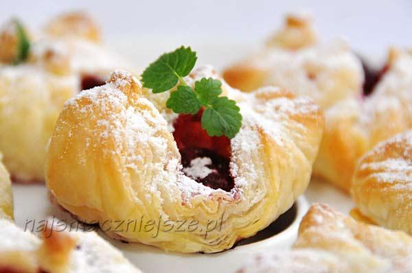 Ciastka francuskie z wiśnią