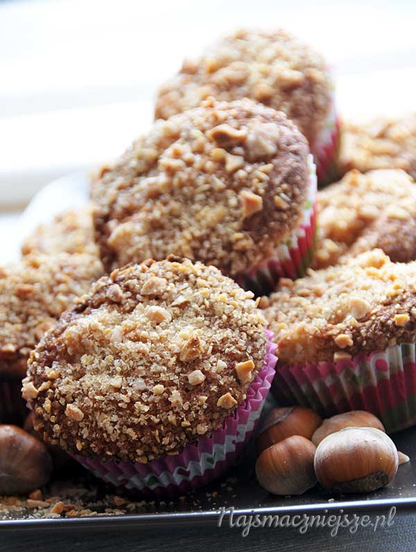 Muffiny z orzechami laskowymi