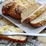 Chałka z masłem