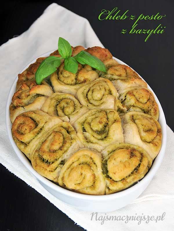 Chleb z pesto bazylii