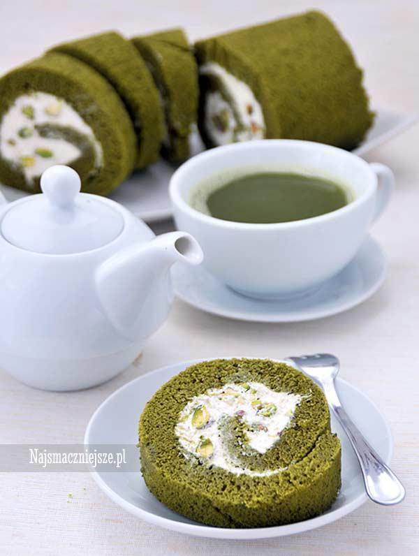 Rolada z herbatą matcha z pistacjami