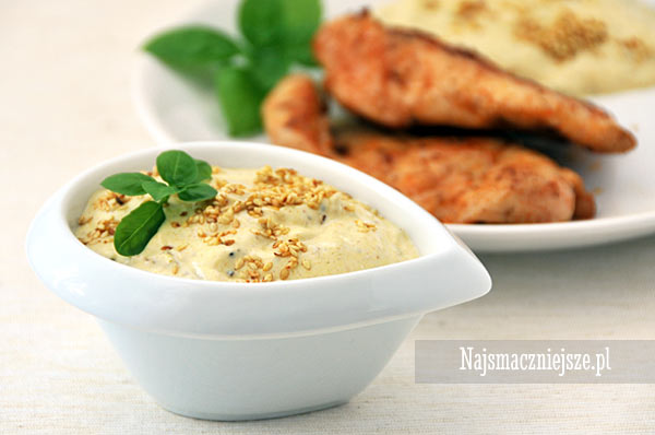 Jogurtowy sos curry