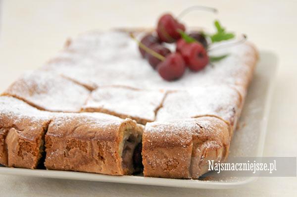 Ciasto z cukinii z czereśniami