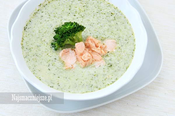 Zupa brokułowa z łososiem