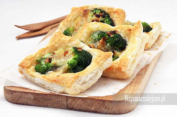 Ciasto francuskie z brokułem