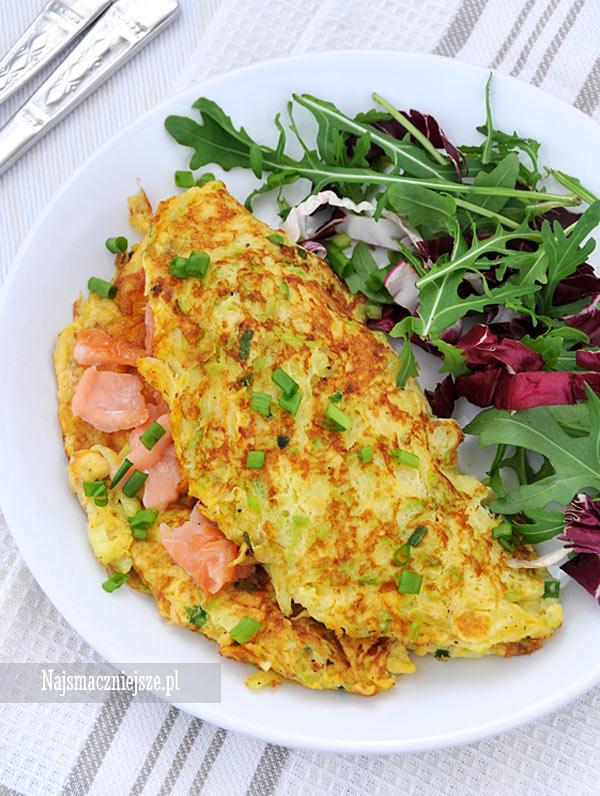 Omlet z cukinią i łososiem