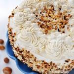 Tort kawowy z orzechami