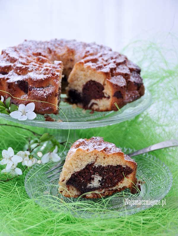 Babka marcepanowa z czekoladą