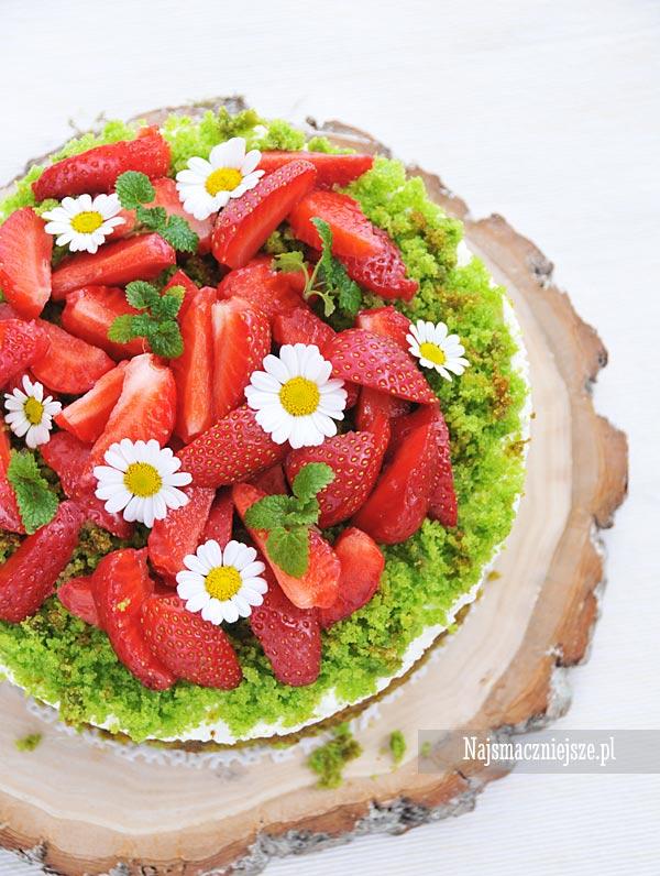 Ciasto leśne runo z truskawkami