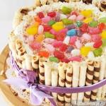 Tort z rurkami waflowymi