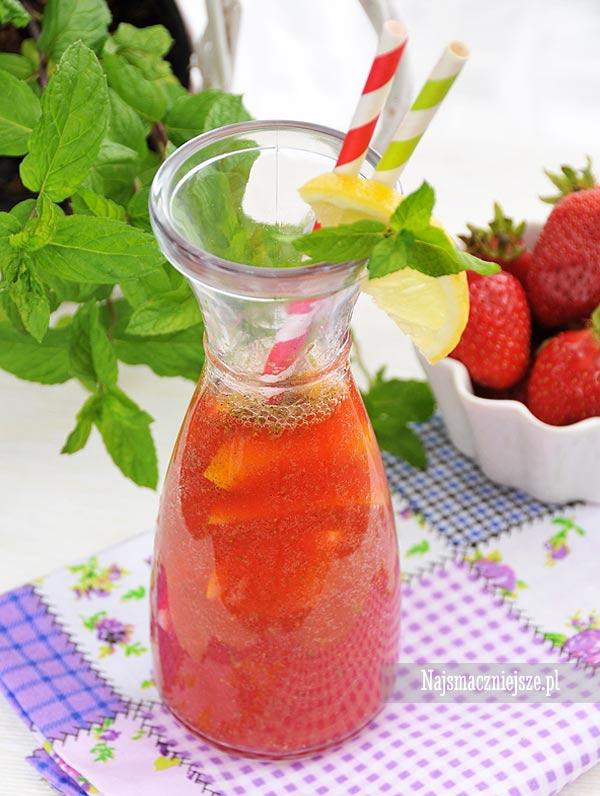 Lemoniada truskawkowa z miętą