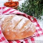 Prosty chleb pszenny na drożdżach