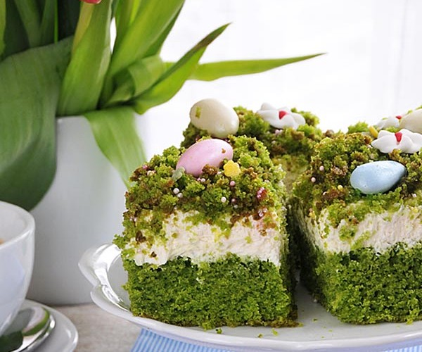 Wielkanocny tort szpinakowy