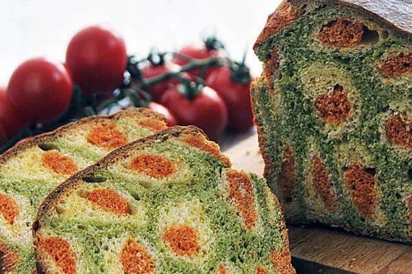 Kolorowy chleb warzywny